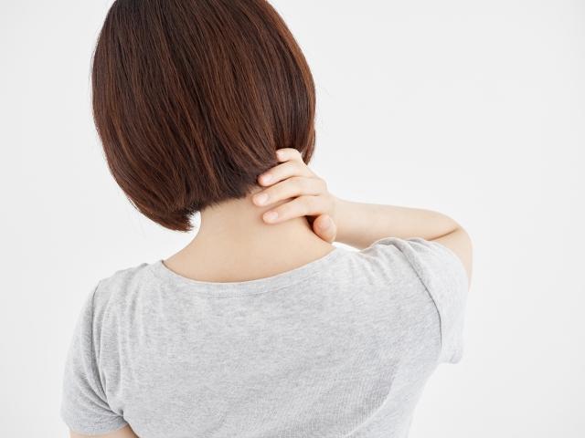 首の痛み【金沢市アルコット接骨院】
