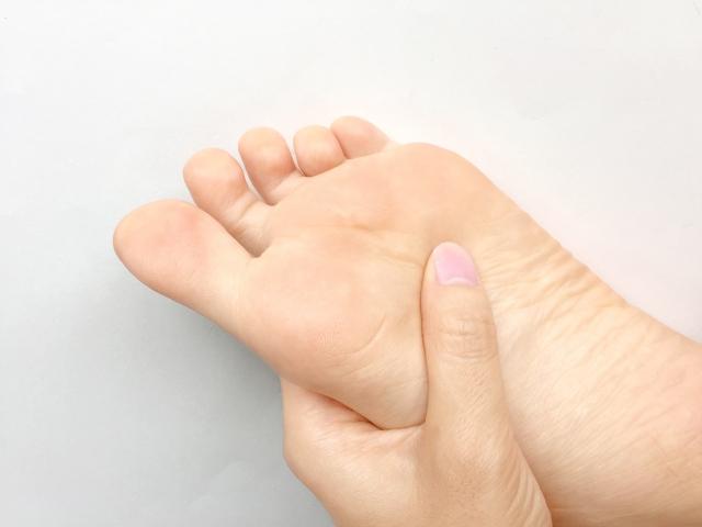 足の裏痛み金沢市アルコット接骨院