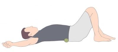 腰部のセルフマッサージ
